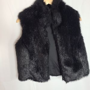 Frank Lyman Design Faux fur black vest